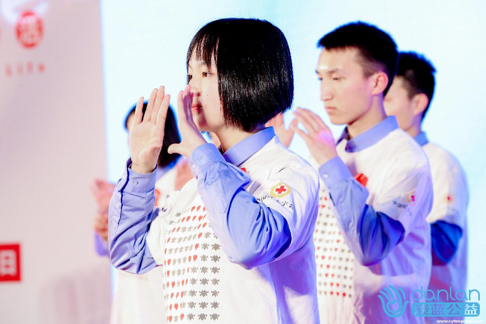 Blued联合中国疾控中心:助力青春零艾滋 让教育的笑容递向彩虹-烽巢网
