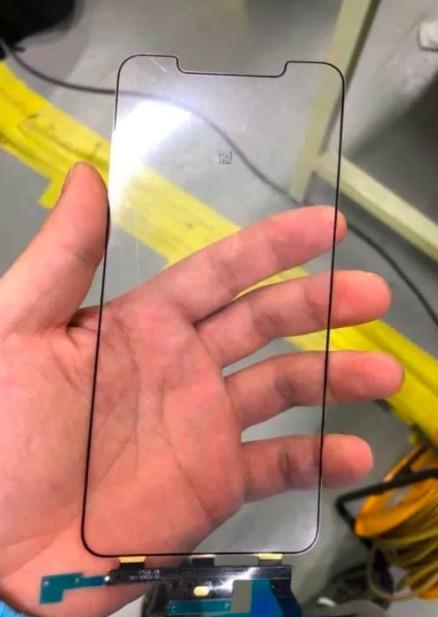 疑似苹果iPhone X Plus 玻璃屏幕组件泄露