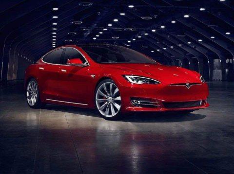 Tesla Model Y  没有方向盘  堪称科幻大片