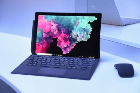 Surface Pro 6套装包含Type Cover