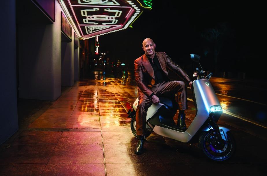 范迪塞尔代言雅迪电动车 G5新品速度又激情