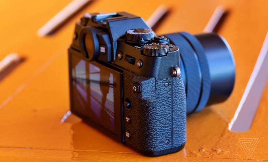 富士胶片X-T30评论:相机的一个小奇迹